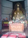 patung buddha di dalam pagoda