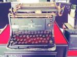 ini mesin ketik yang dipake sekitar taun 1940an WOW!!! antik yaa.. ^o^